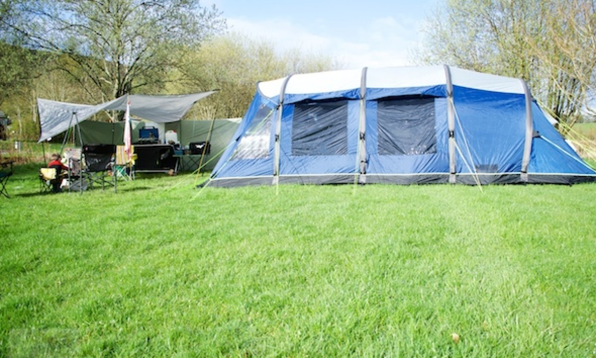 Outwell Hornet XL Review - Simplifying Family Camping